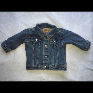 Infant boys Levi's denim jacket size 3/6 months.